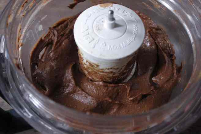 Vegan-Chocolate-Avocado-Pudding-with-Chia-Seeds-Step-4