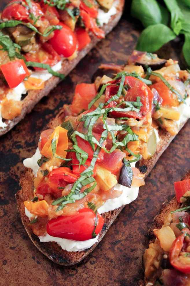 Ratatouille-Tartines-with-burrata-and-honey-balsamic-drizzle-10