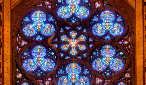 Rose_window_of_Church_of_St._Vincent_Ferrer_(NYC)