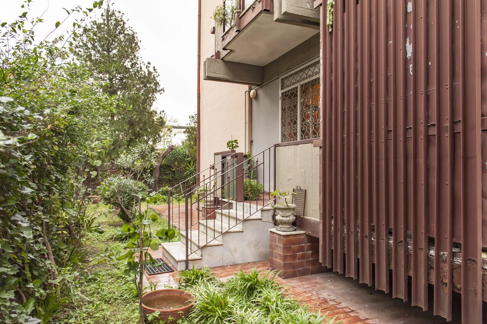 Appartamento 5 vani con giardino privato domusilia - Appartamento con giardino privato ...