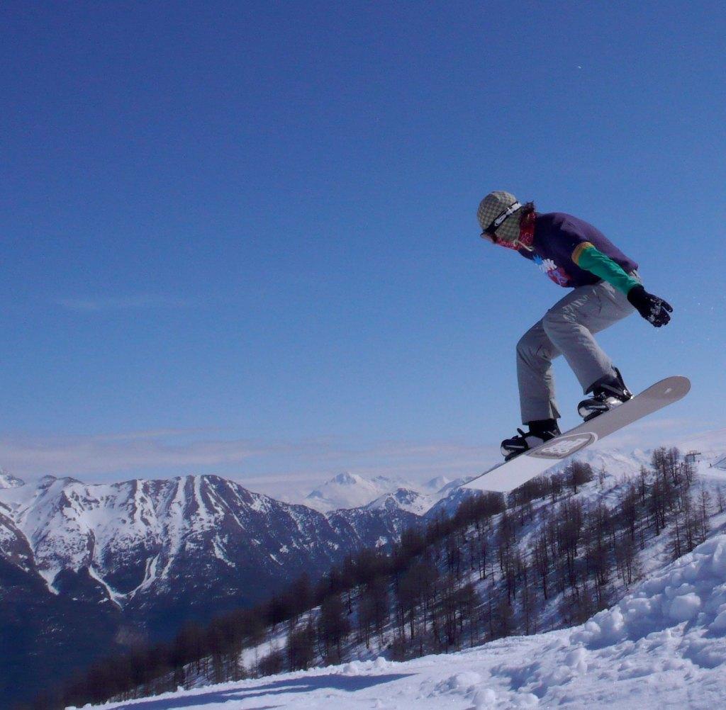 Hamish snowboarding