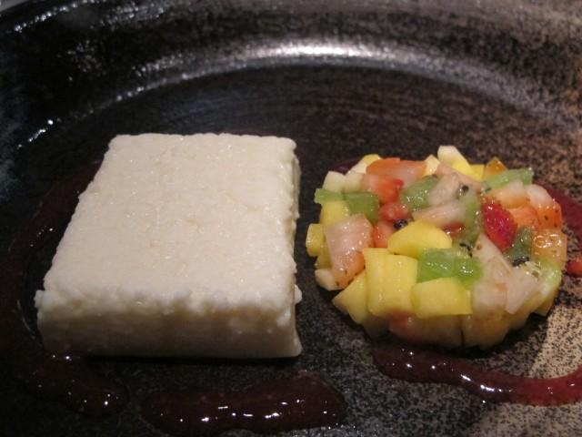 mousse de coco aya do pao ao caviar