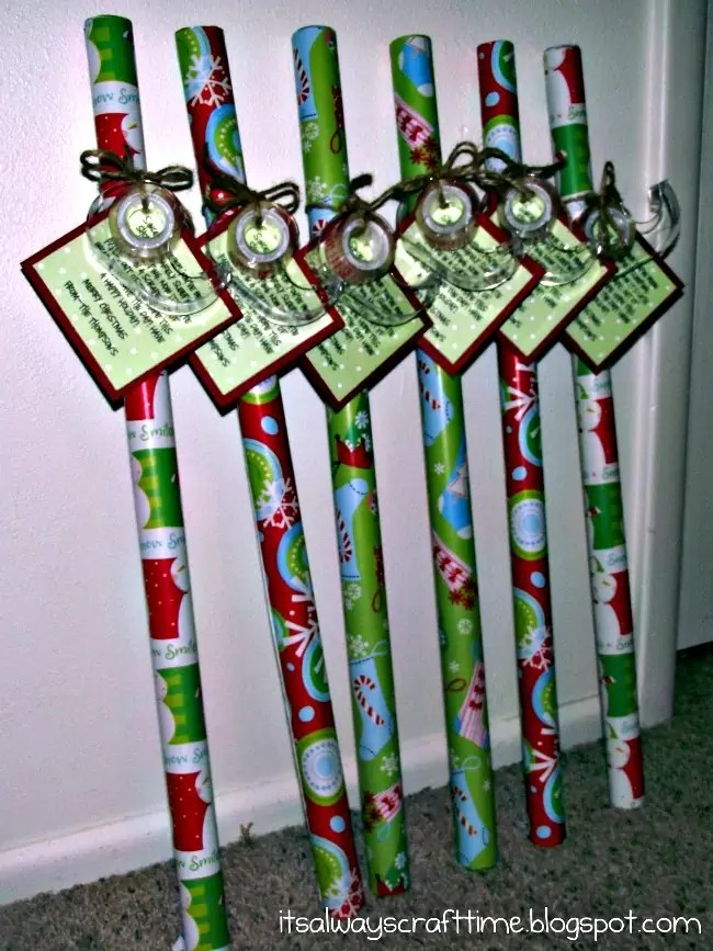 cheap christmas cards and wrapping paper