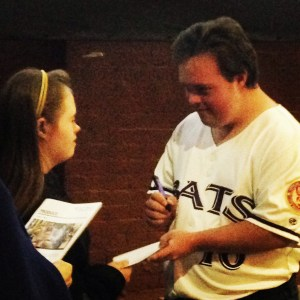 DeSanctis signing autographs Saturday evening