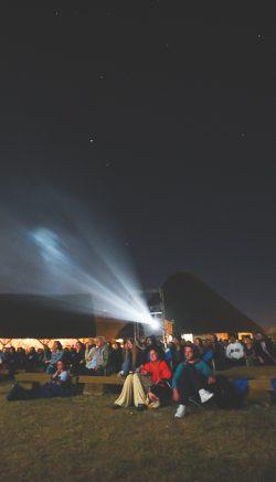 A doua seară de festival - Vizionarea filmului SIeranevada în prezența lui Cristi Puiu 010