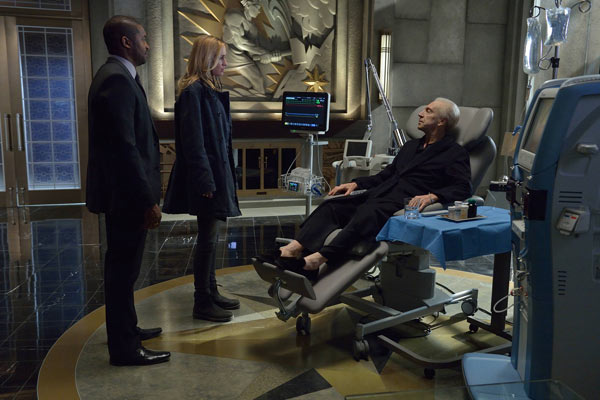Show Your Loved Ones These Stills and Preview of The Strain Episode 1.10