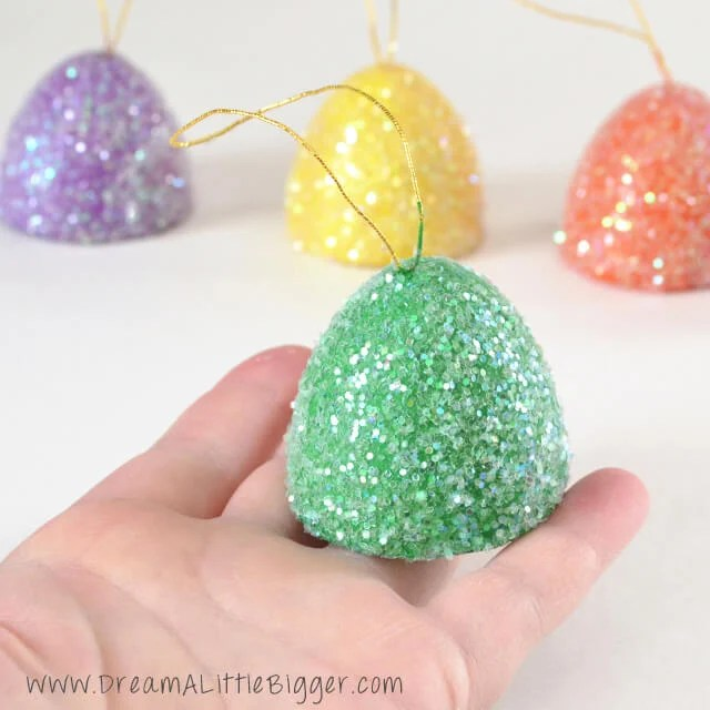 01-gum-drop-ornaments-dreamalittlebigger