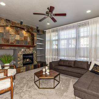 Live large in this light filled end unit in Stonegate!