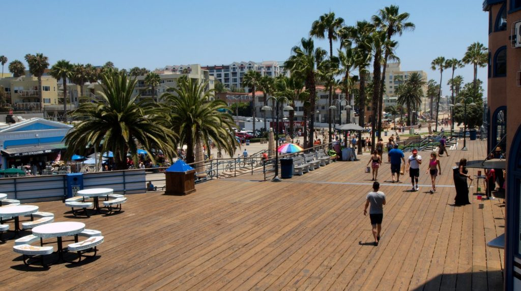 Santa Monica Beach, Santa Monica, CA Photo by Peter C via Flickr CC