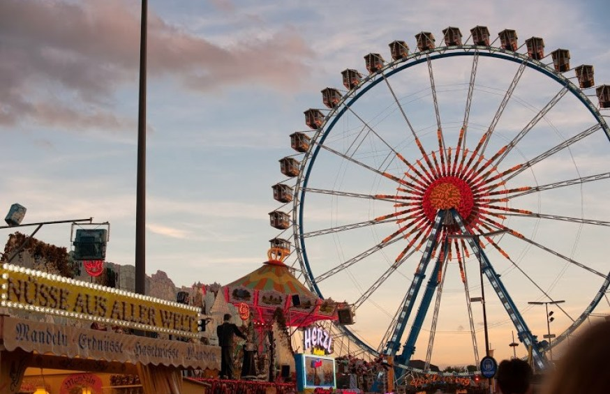 Oktoberfest ferris wheel, just one of many rides at Theriesienwiese