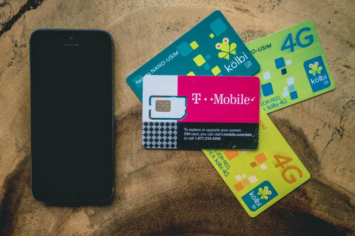 sim-cards-iphone-8273