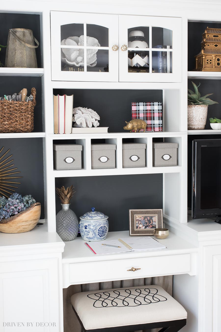 Sophisticated How To Decorate Shelves Formulas That Work Home Decorating Shelves Tips On How To Style Your Bookcase home decor Home Decorative Shelving