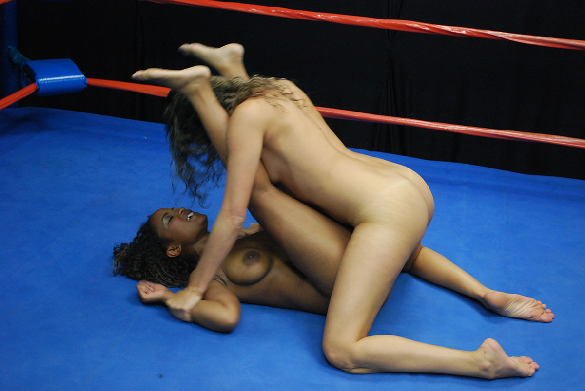 womens boxing catfight