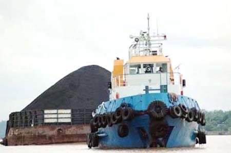 Pengangkutan batubara untuk tujuan ekspor.