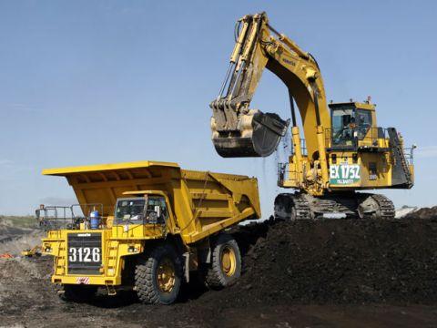 Kegiatan penambangan batubara PT Adaro Energy Tbk (ADRO).