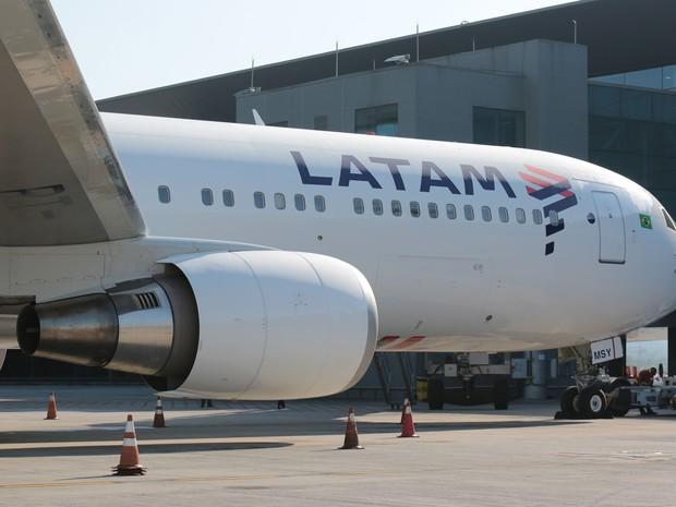 Avião com a nova marca Latam. (Foto: Marcio Jumpei/Divulgação)