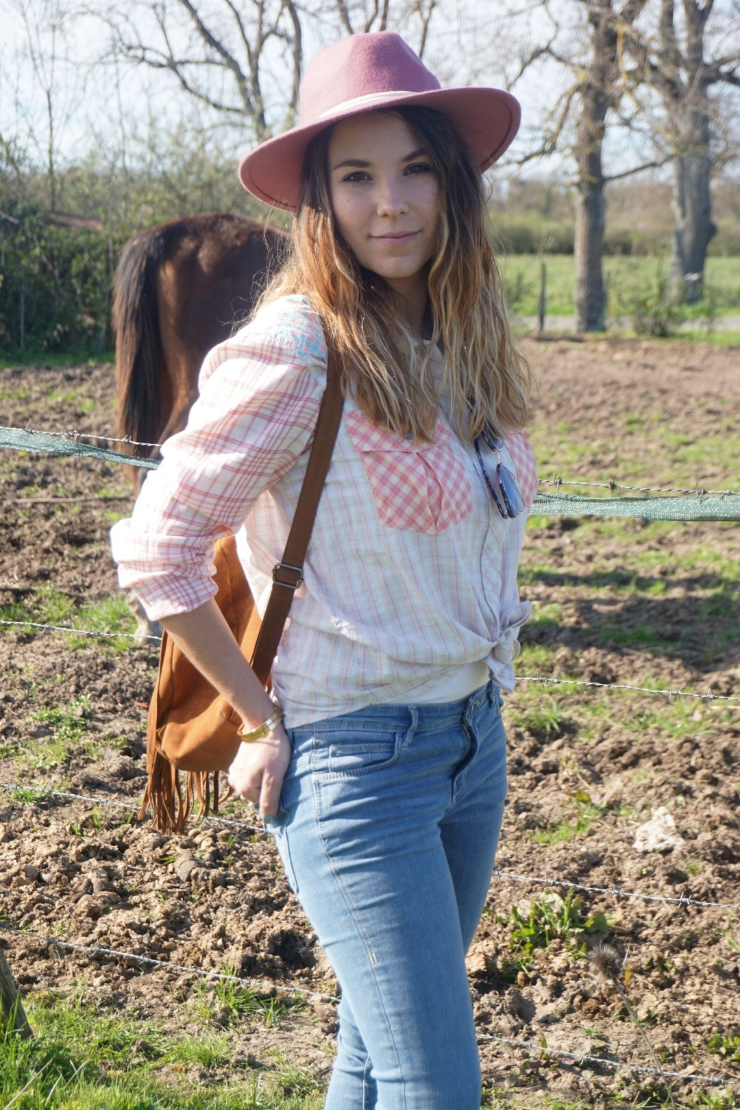 LOOK WESTERN GIRLY COW GIRL CHAPEAU ROSE BLOG MODE BORDEAUX FRANCE CORSE FASHION CENTRE EQUESTRE 14