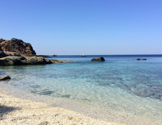 CRIQUE CAP CORSE CACHEE BLOG VOYAGE TOURISME BONNES ADRESSES PLAGE EAU TURQUOISE SANS TOURISTES 13