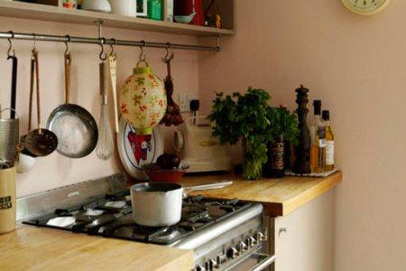 small kitchen storage idea