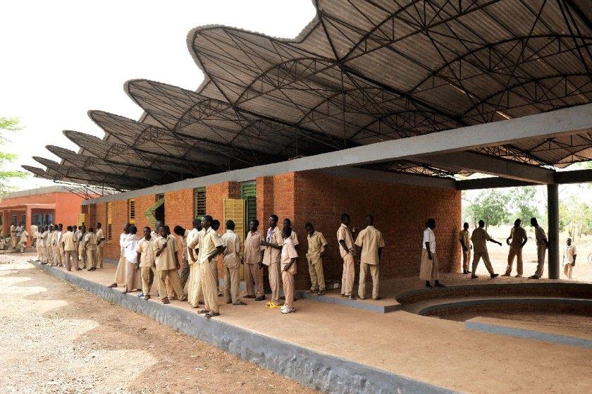 Escuela secundaria, Dano, Burkina Faso (2006-2007) © Erik-Jan Ouwerkerk