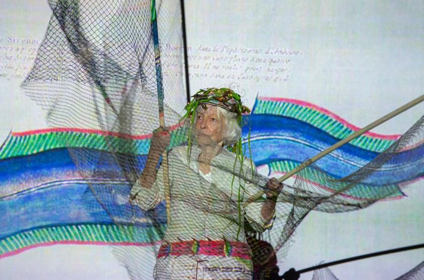 joan-jonas-mitologias-biodiversidad-y-la-delicada-ecologia-del-oceano-02