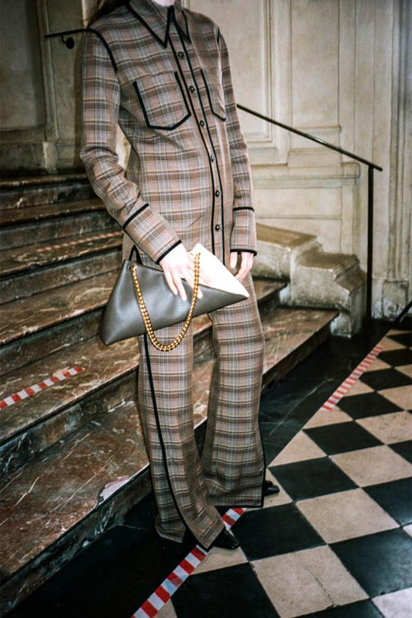 london-fashion-week-intimidad-desde-las-pantallas-Nanushka-04