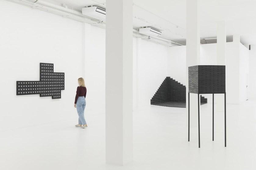 DXI-mounir-fatmi-the-observer-effect-ADN-gallery-01