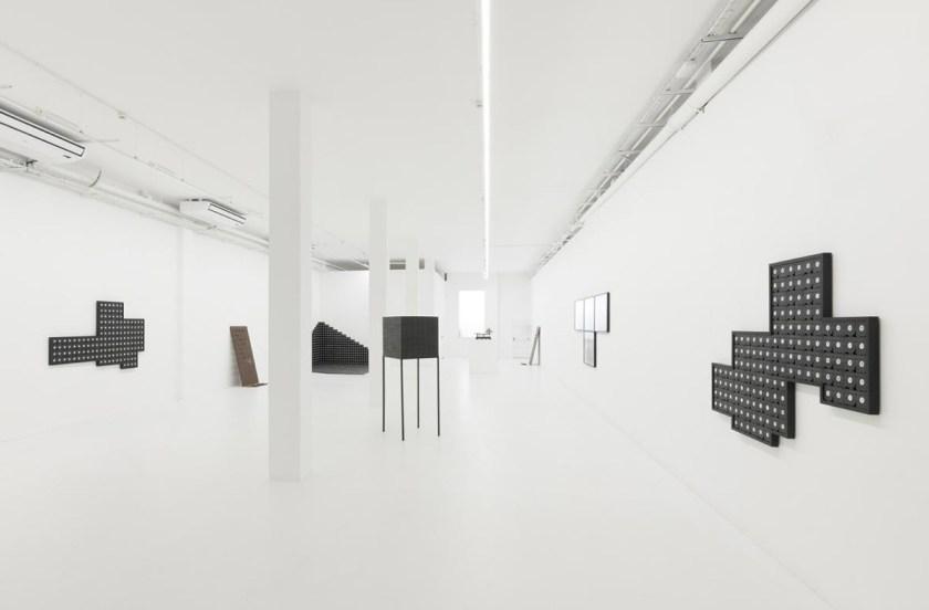 DXI-mounir-fatmi-the-observer-effect-ADN-gallery-05