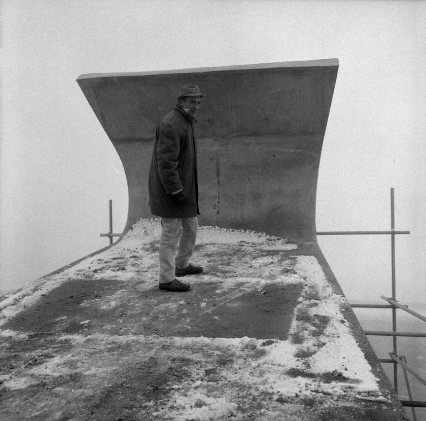 jacques-moeschal-la-autopista-como-museo-on-top-of-construction-Signal-Groot-Bijgaarden-1963