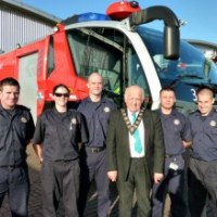 Mayor visits airport fire crew