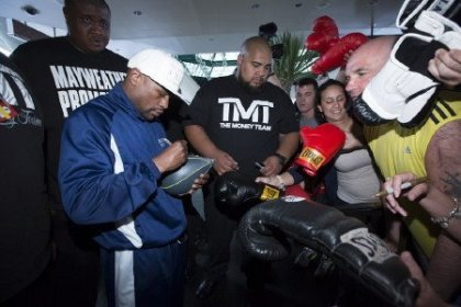 MAY DAY Floyd Mayweather & Robert Guerrero Arrivals Quotes