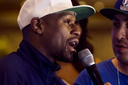 Floyd Mayweather Bids to Become Cinco De Mayo King