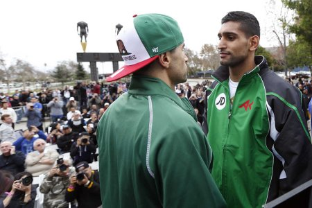 011 Carlos Molina and Amir Khan 450x300 Khan vs. Molina Weigh In Results   Video