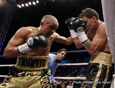 Photos: Vazquez Jr. KOs Oquendo in 7th; Fuentes destroys Calderon in 5