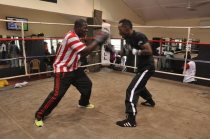 Agbeko holds media workout in Accra ahead of Mendelez fight