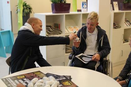 Keller and Skoglund visit children at Kolding Sygehus
