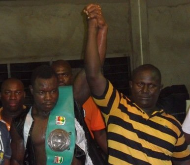 Kwahu Tyson beats Okai to win Ghana Light Heavyweight title