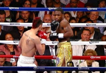 Broner decisions Malignaggi; Bika tops Periban; Mitchell defeats Banks