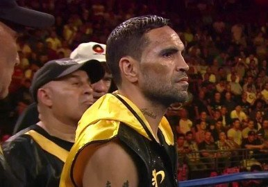 Mundine All Class in Stoppage Victory over Mosley