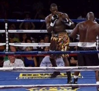 Wilder stops Manswell in 1st round!