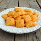 Homemade Cheddar Cheese Snack Crackers