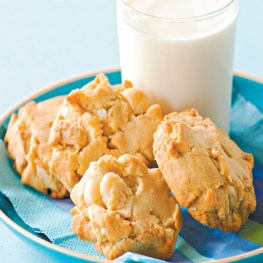 White Chocholate Macadamia Cookies - Sweet snacks