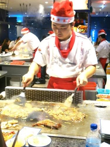 Heniu Teppanyaki Chef at WIsma Atria Food Republic