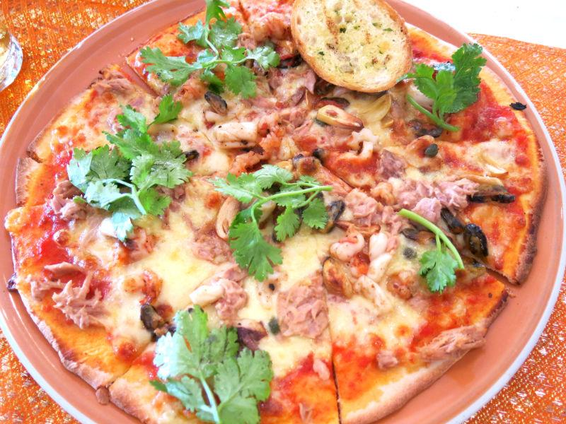 Krabi Aning Restaurant Seafood Pizza