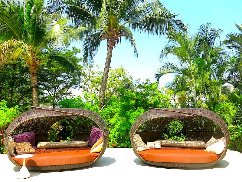 Mandarin Oriental Singapore - Swimming Pool Cabana