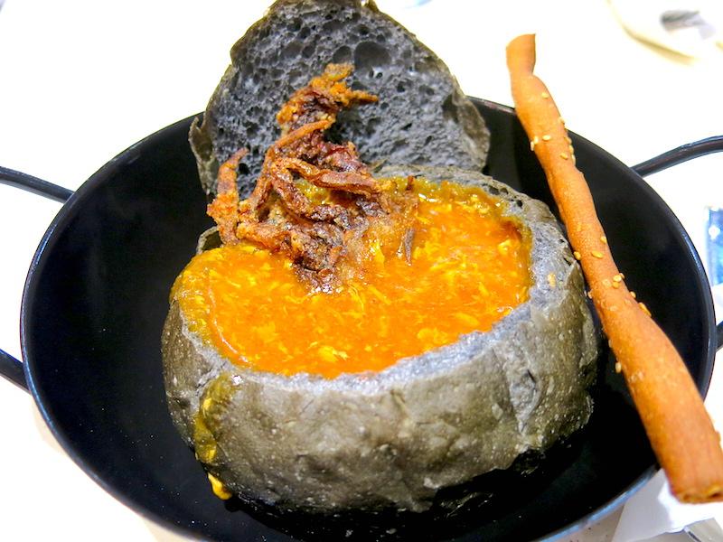 Kokomama Marketplace Chilli Crab Blackout Bread Bowl