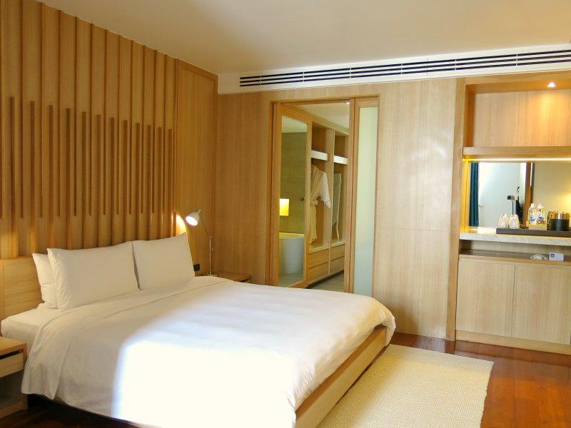 Nap Patong Atrium Suite Bedroom