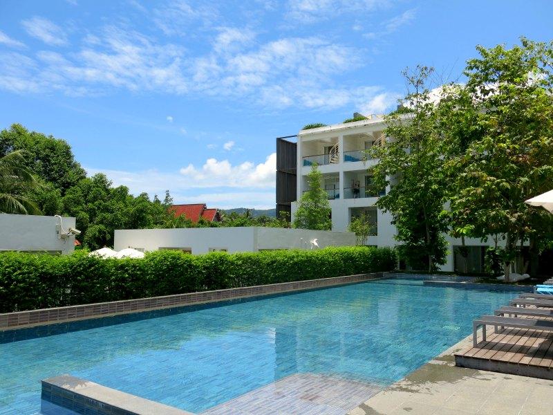 Nap Patong Swimming Pool