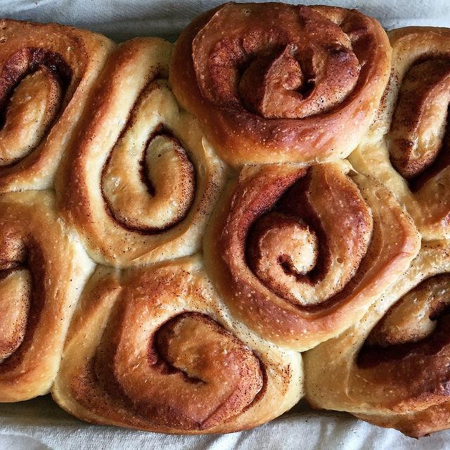 pan of cinnamon buns
