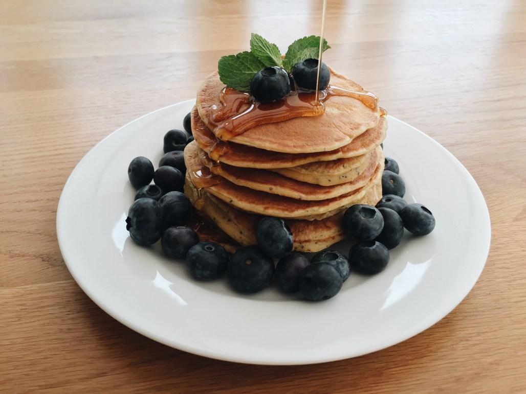 Lemon & Poppy Seed Yoghurt Pancakes | eat, write + explore
